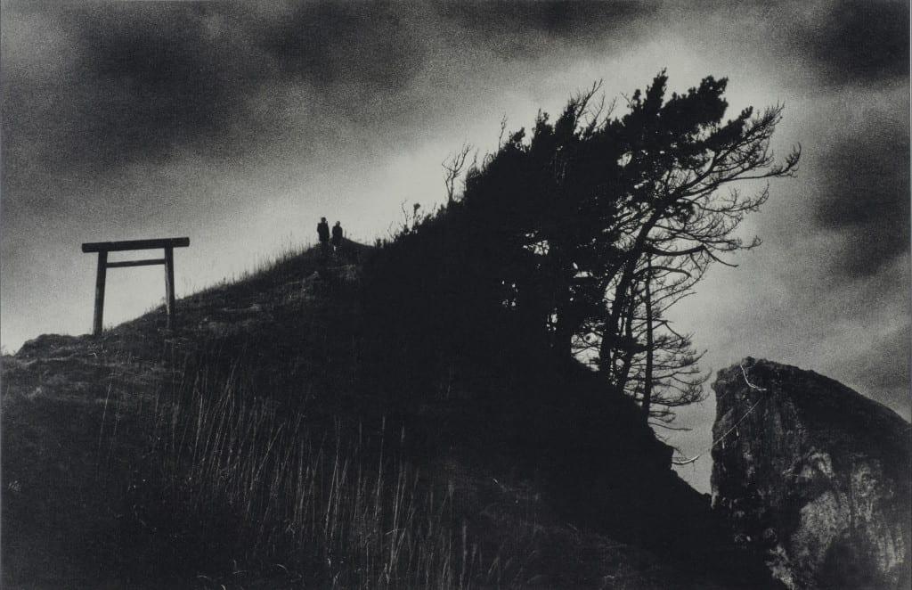 Triii on the Cliff, from the series Headland © Akiko Takizawa