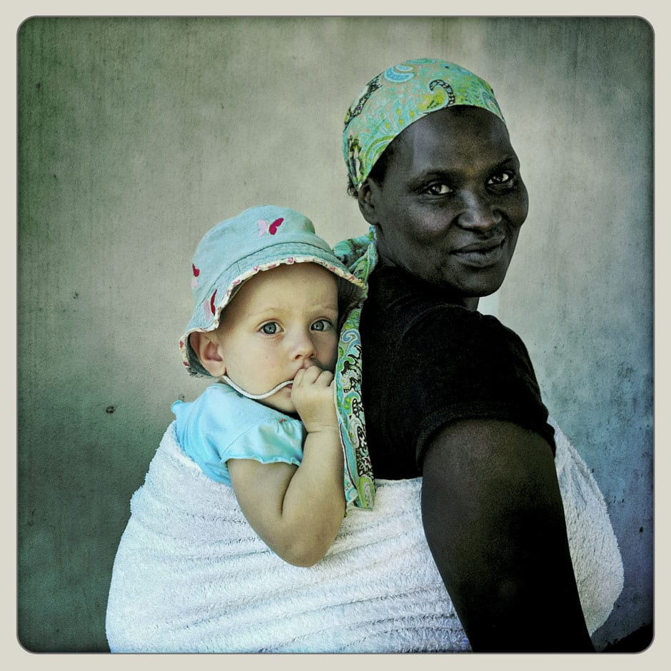 Woman and Child - Hout Bay © Dale Yudelman, from the series Life under Democracy