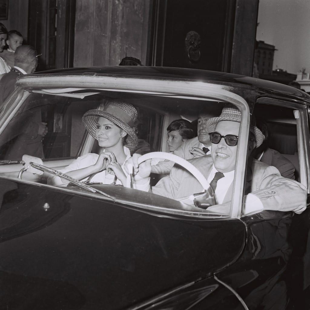 Carlo Ponti, Sophia Loren and Vittorio De Sica, Rome, 1961 © Marcello Geppetti, courtesy MGMC & Solares Fondazione delle Arti