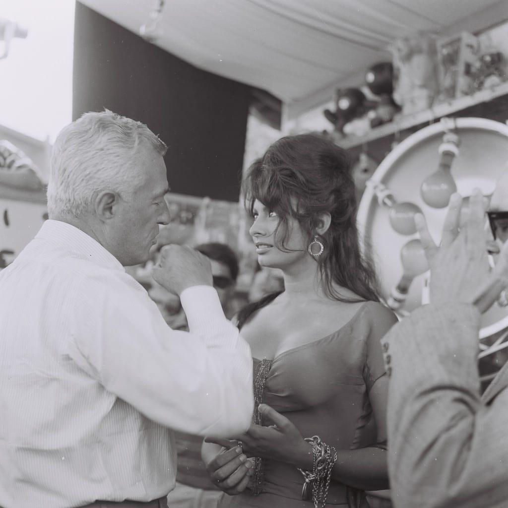 Sophie Loren and Vittorio De Sica © Arturo Zavattini, courtesy MGMC & Solares Fondazione delle Arti