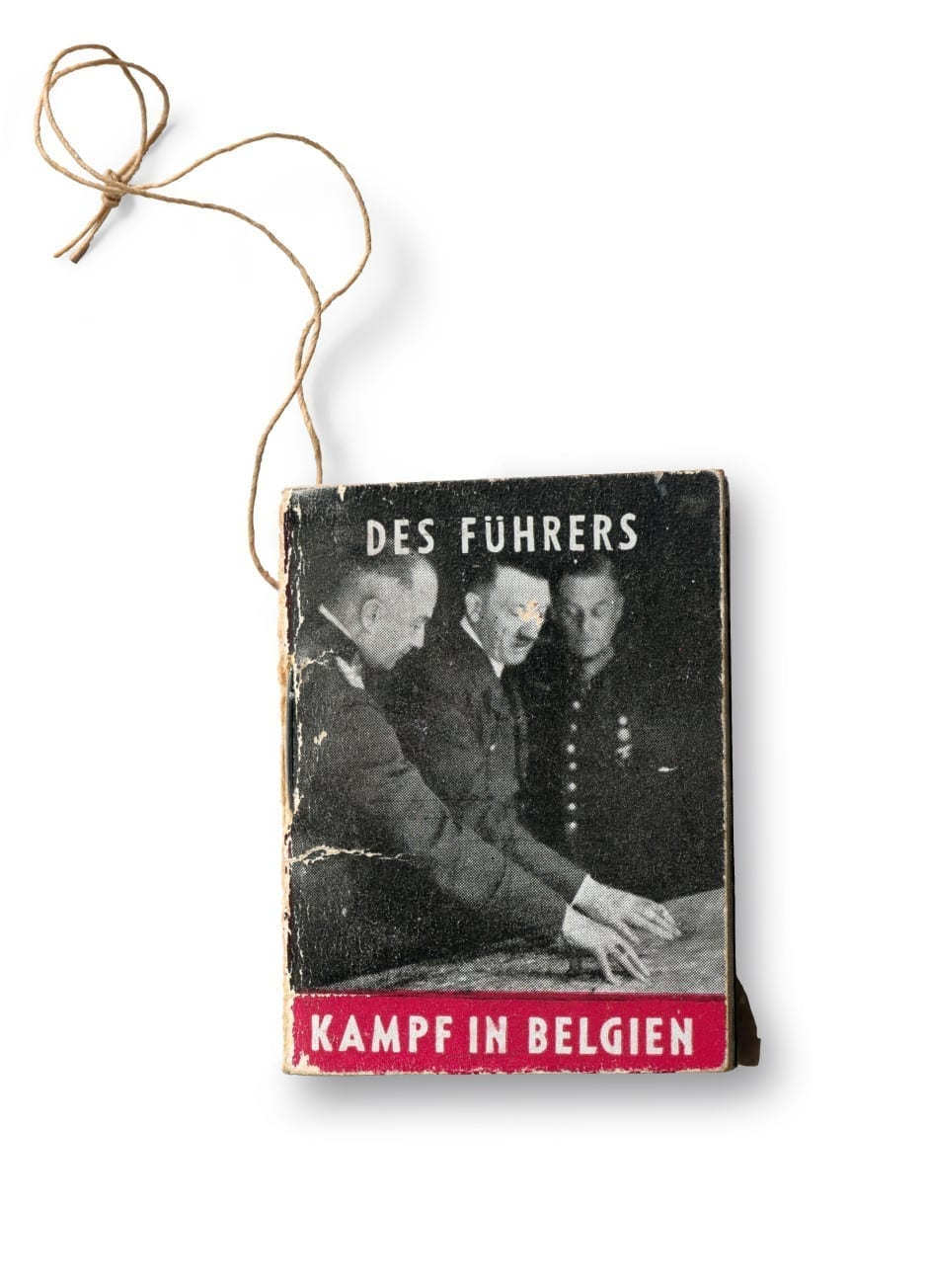 A Winter Relief Fund booklet from the series Der Führer Macht Geschichte (The Führer Makes History), published by Gild Dokumente Heinrich Hoffmann, Munich, 1937-41