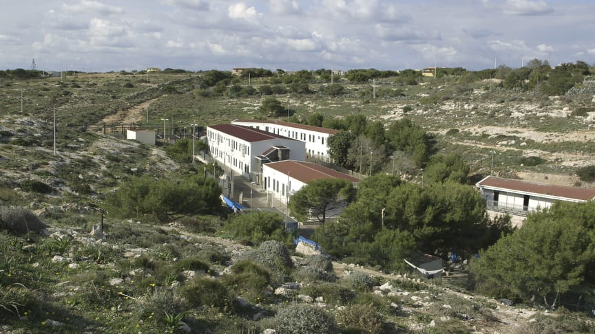 Immigrant reception centre, Lampedusa, Italy. Image © Zed Nelson/Institute