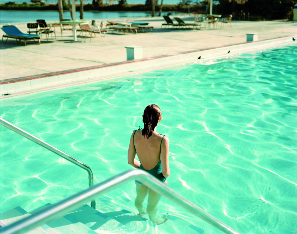 Ginger Shore, Causeway Inn, Tampa, Florida, November 17, 1977 © Stephen Shore