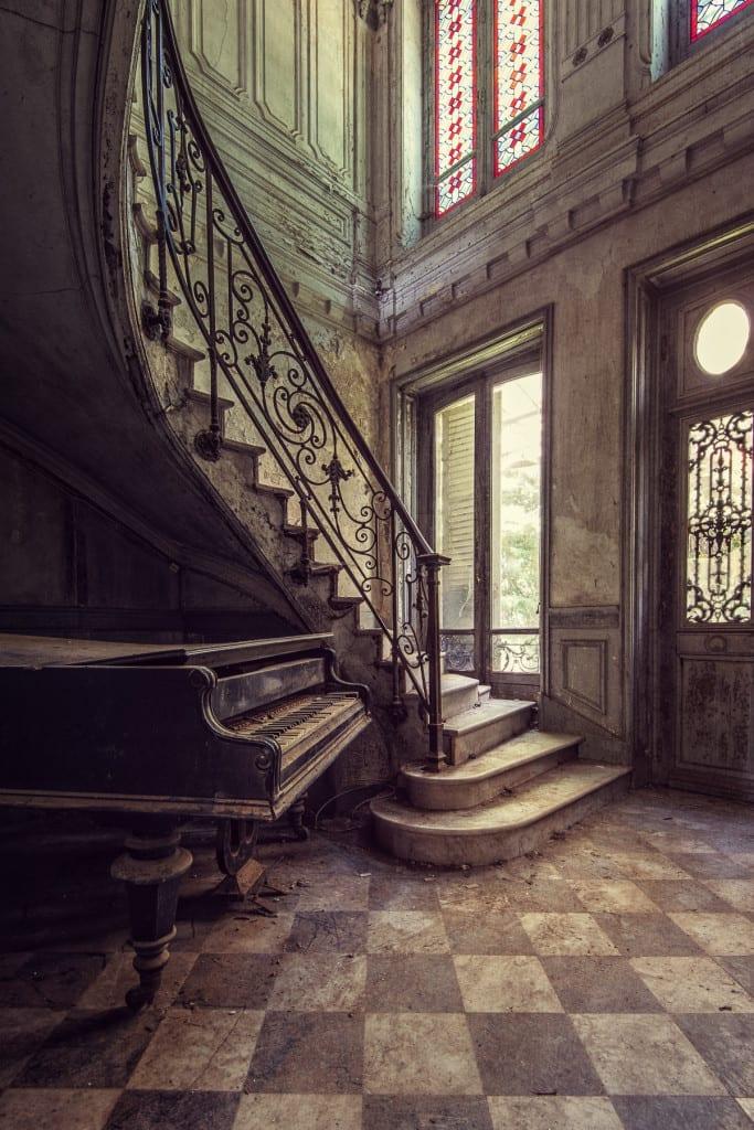 Grand Piano © Gina Soden
