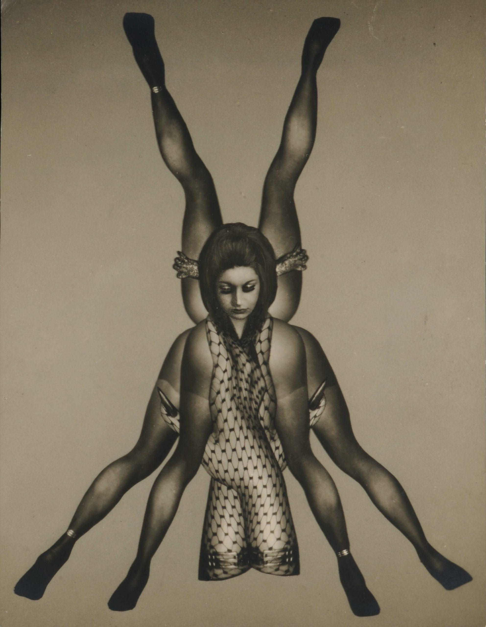 Féminin pluriel est triste, planche n°32 du Chaman, tirage argentique d'époque © Artcurial