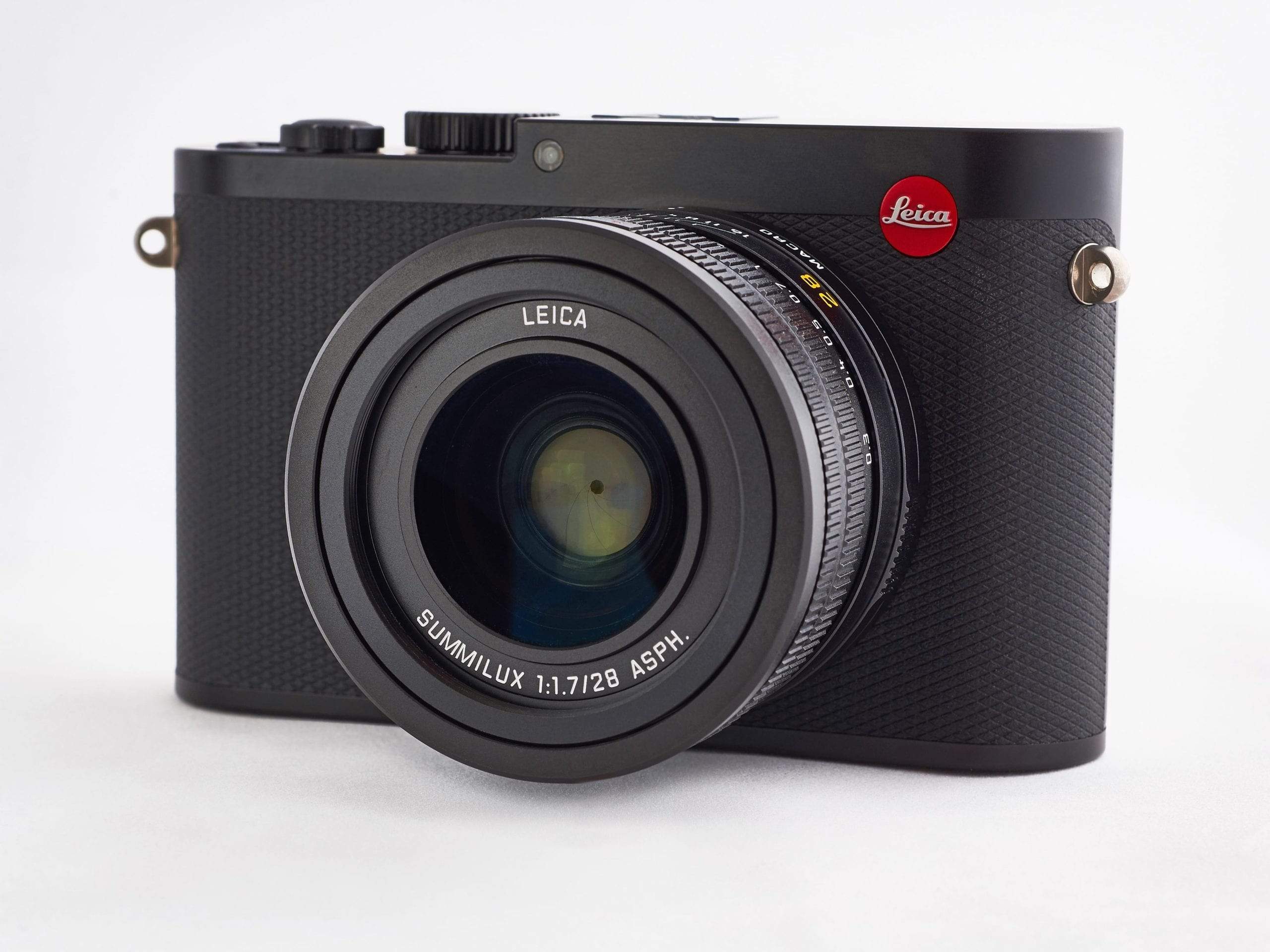 Leica Q 00026016 x 4016CUT copy