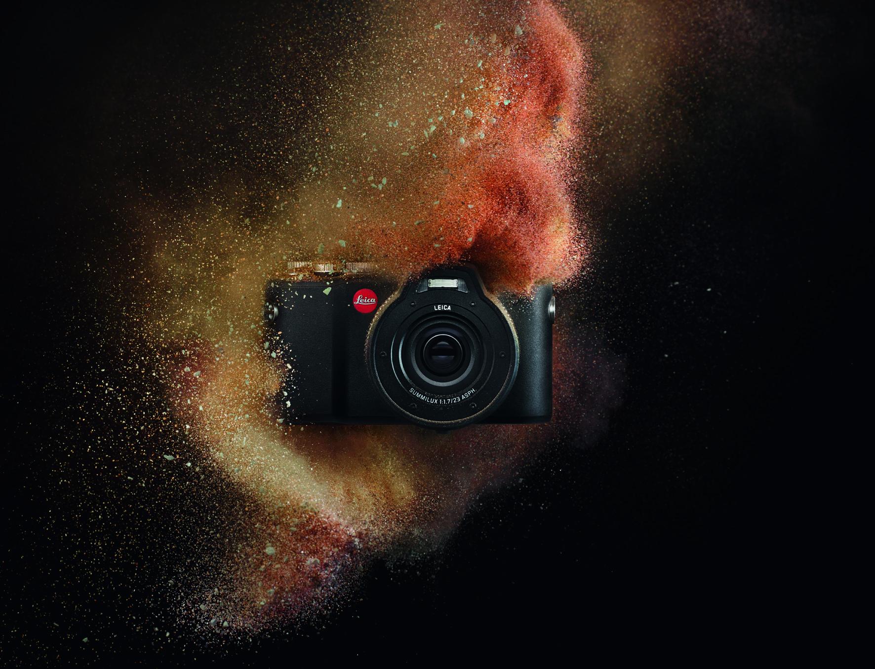 Leica X-U_action_sand