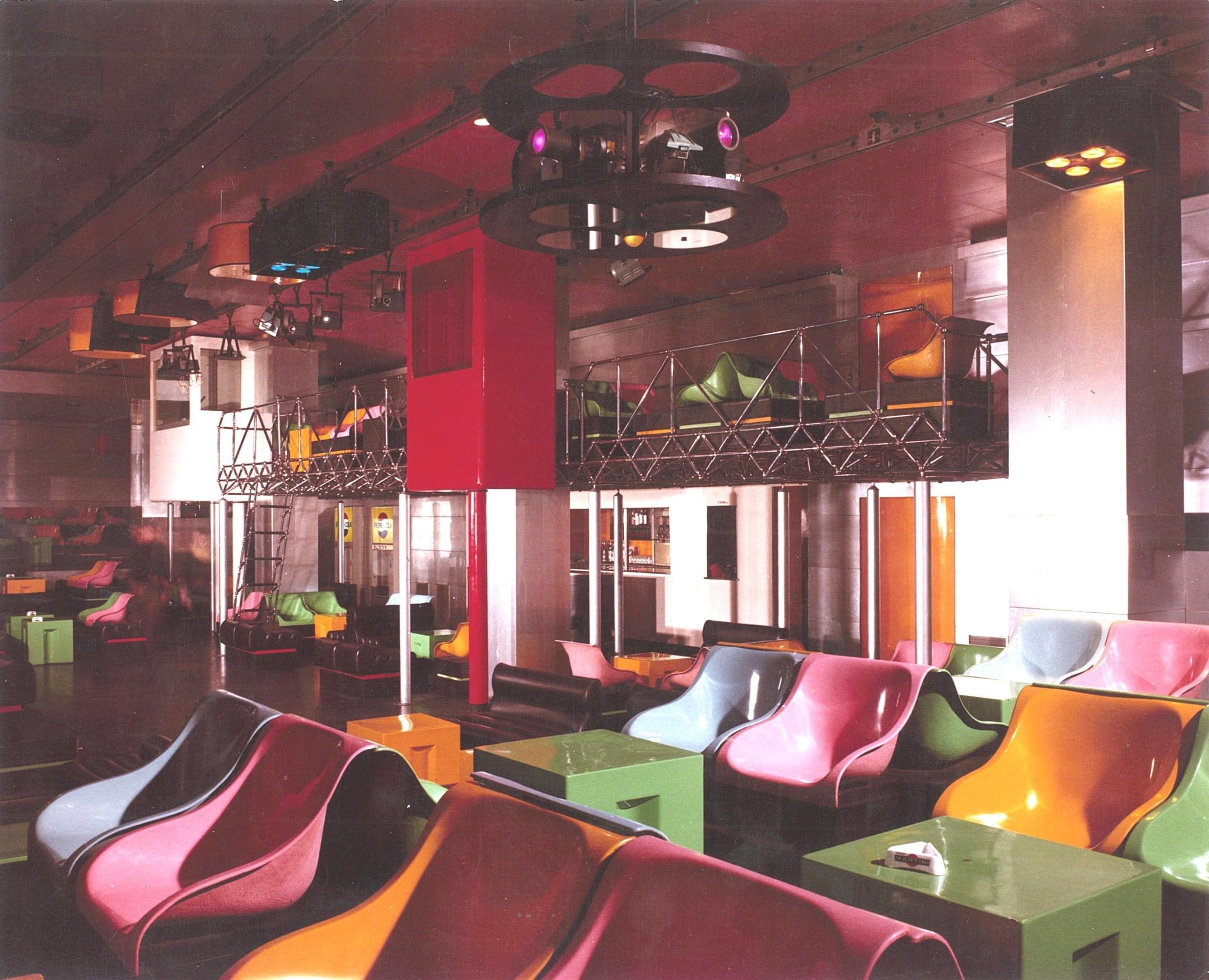 Interior of Piper, Turin designed by Pietro Derossi, Giorgio Ceretti and Riccardo Rosso, 1966. © Pietro Derossi