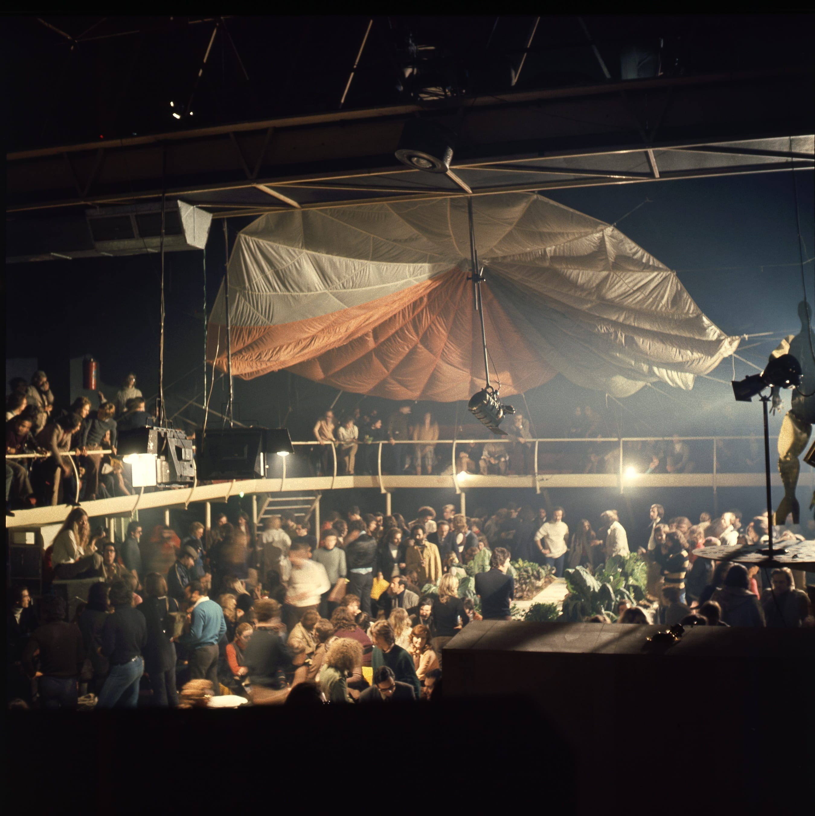 Space Electronic during the Mondial Festival, co-organised by Gruppo 9999 and Superstudio, Space Electronic, Florence, 1971. © Gruppo 9999, courtesy of Carlo Caldini