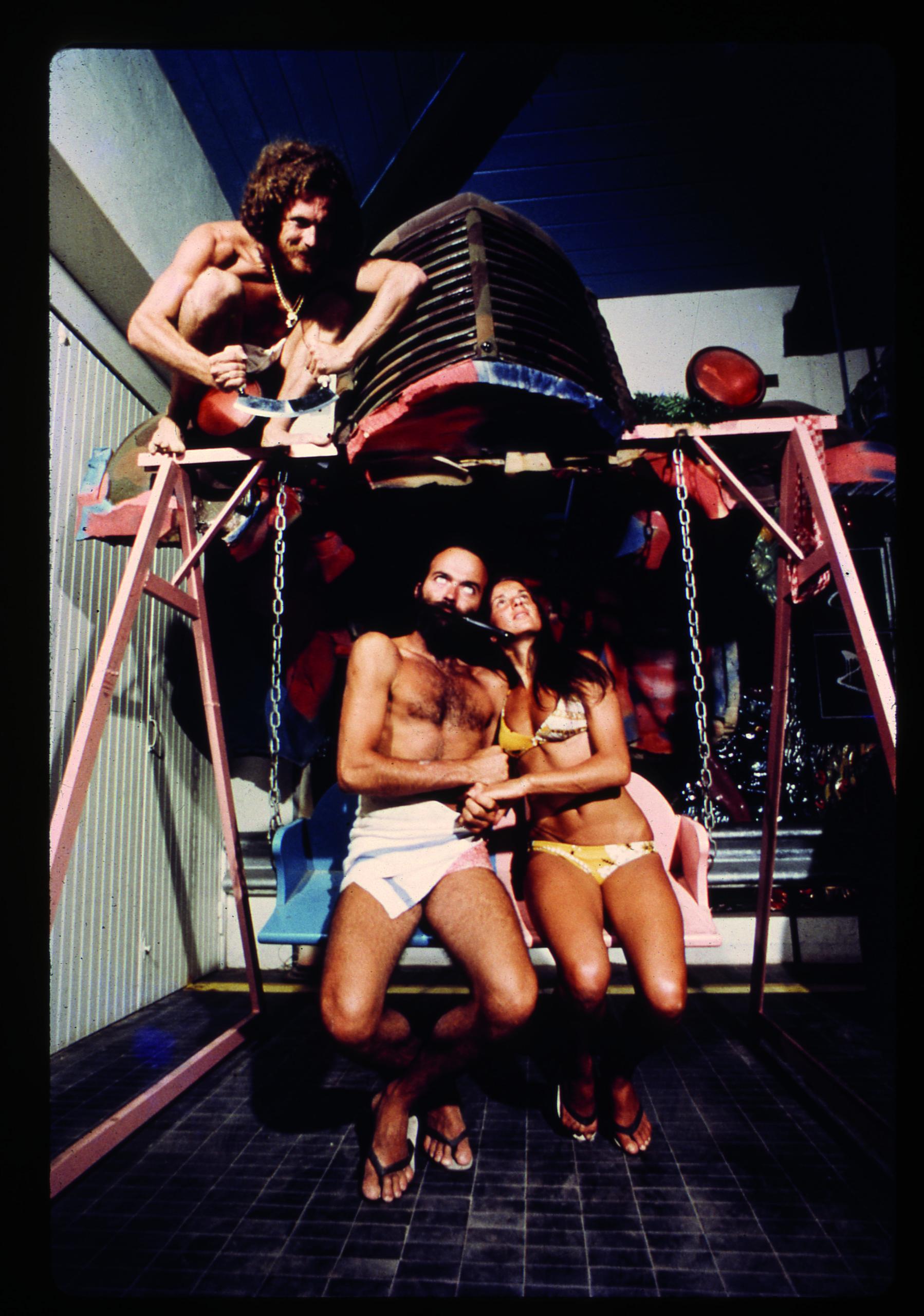 UFO, lovers on a swing chair, Bamba Issa, Forte dei Marmi, 1970. Photograph by Carlo Bachi, © Lapo Binazzi, UFO Archive