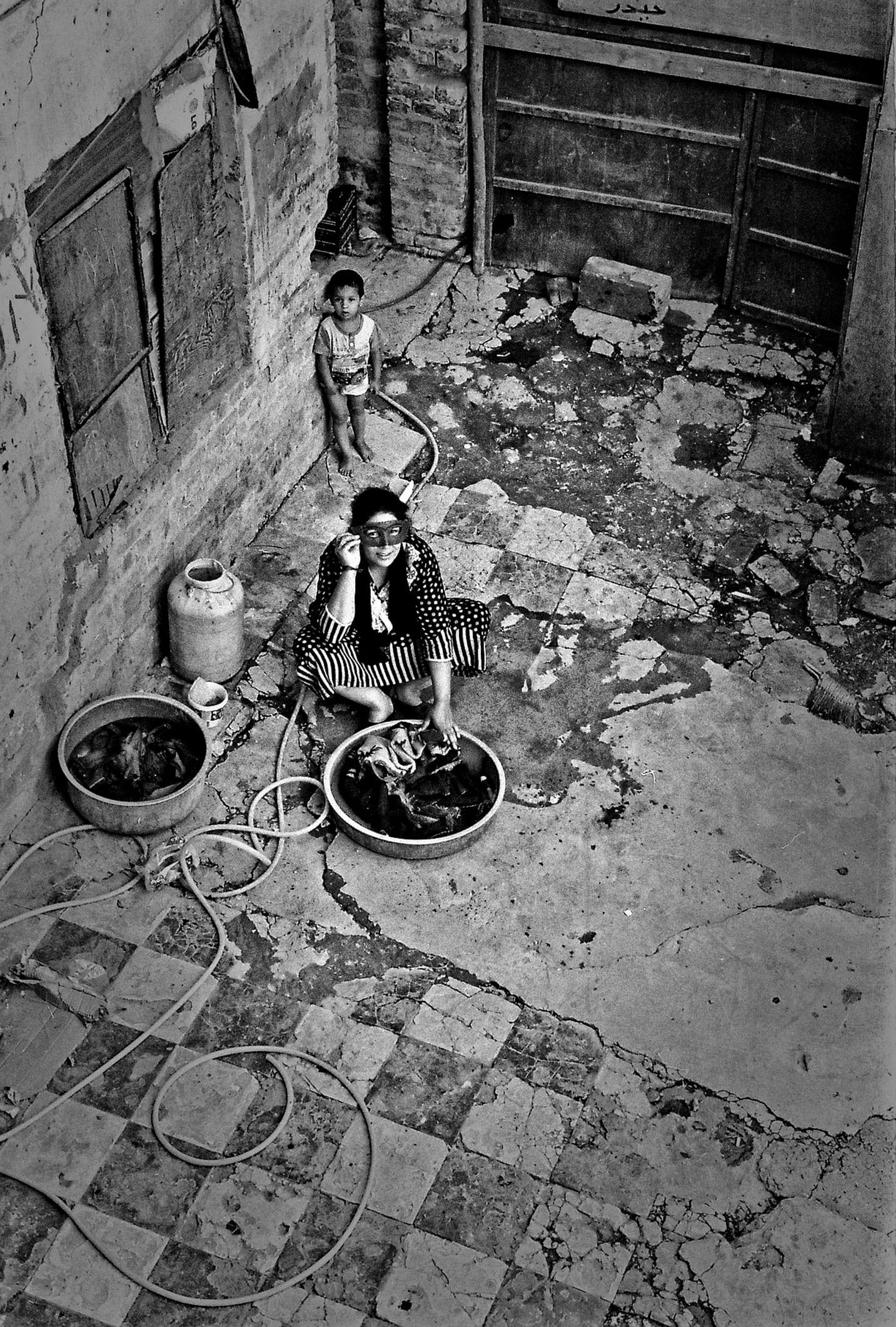 Night Workers © Ayman Al Amiri