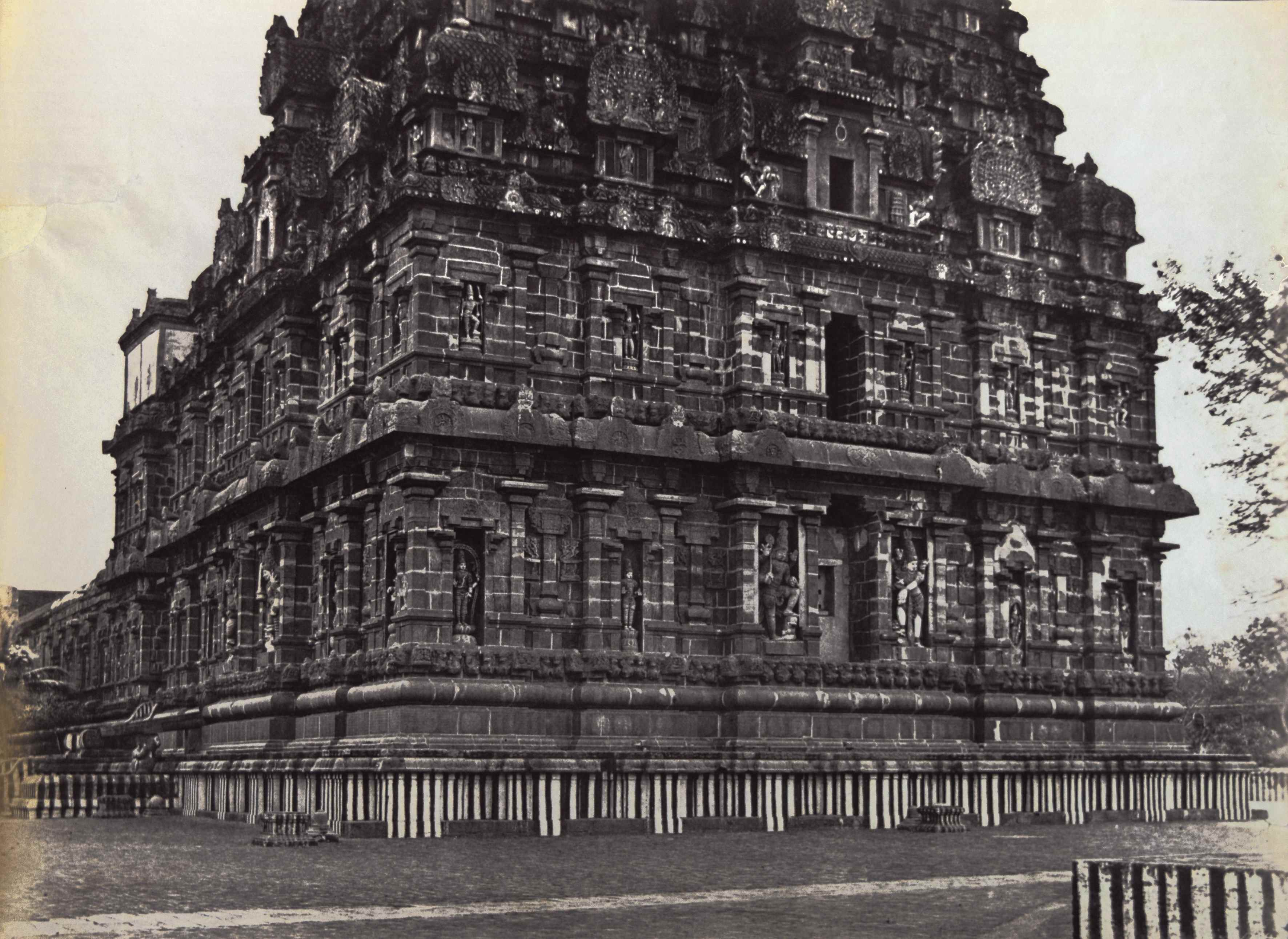 Captain Linnaeus Tripe - 'The Great Pagoda in Tanjore, southern view', India, 1858, Albumen print