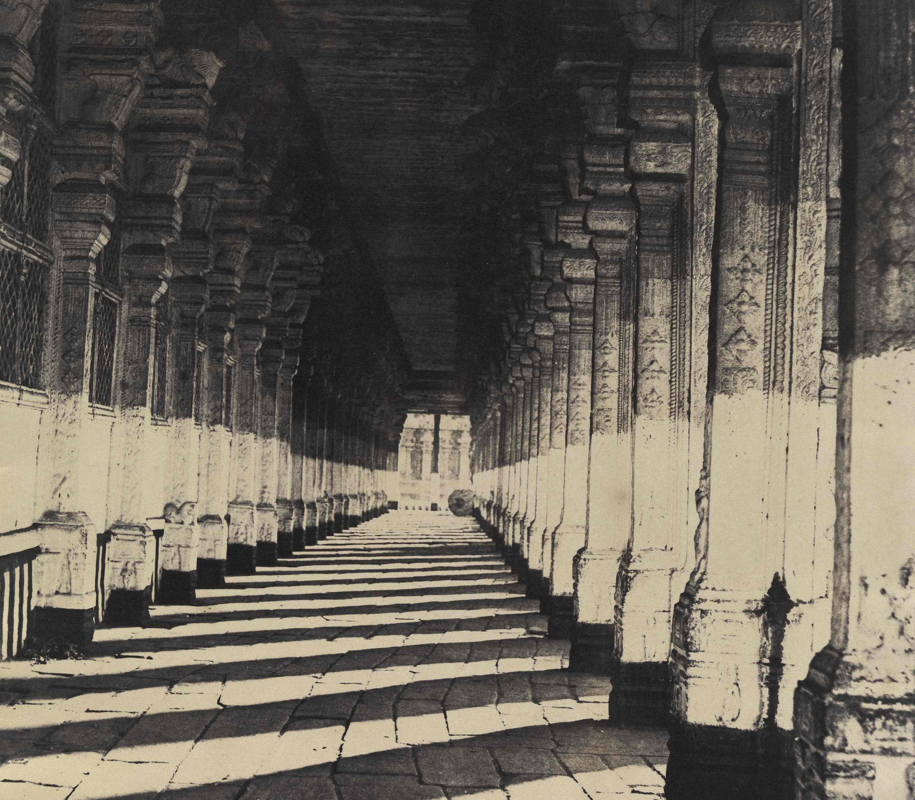 Captain Linnaeus Tripe Trimul Naiks Choultry Side Veranda from West Madura India 1858 Albumen print