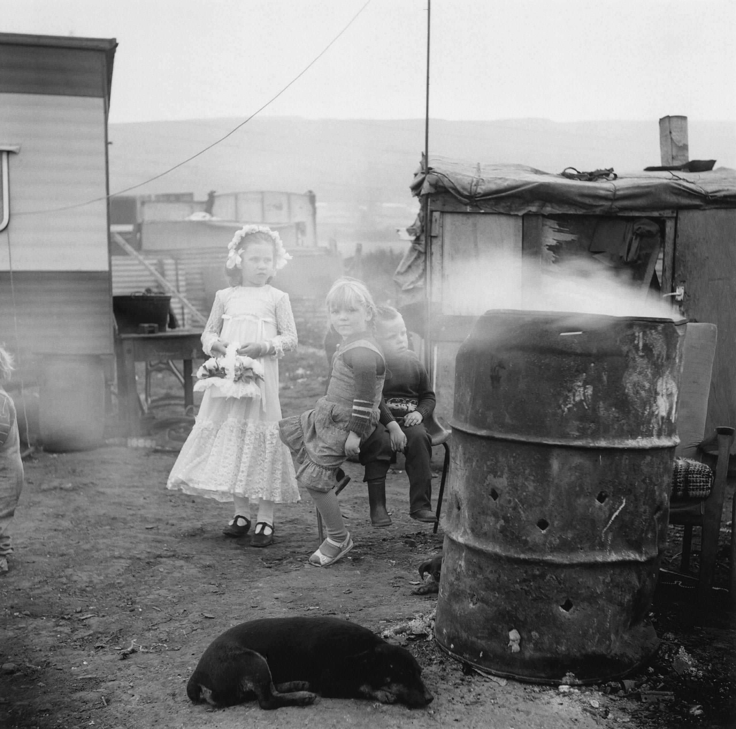 GB. Northern Ireland. Belfast. Gypsy bridesmaid on her sisters wedding day. 1986.