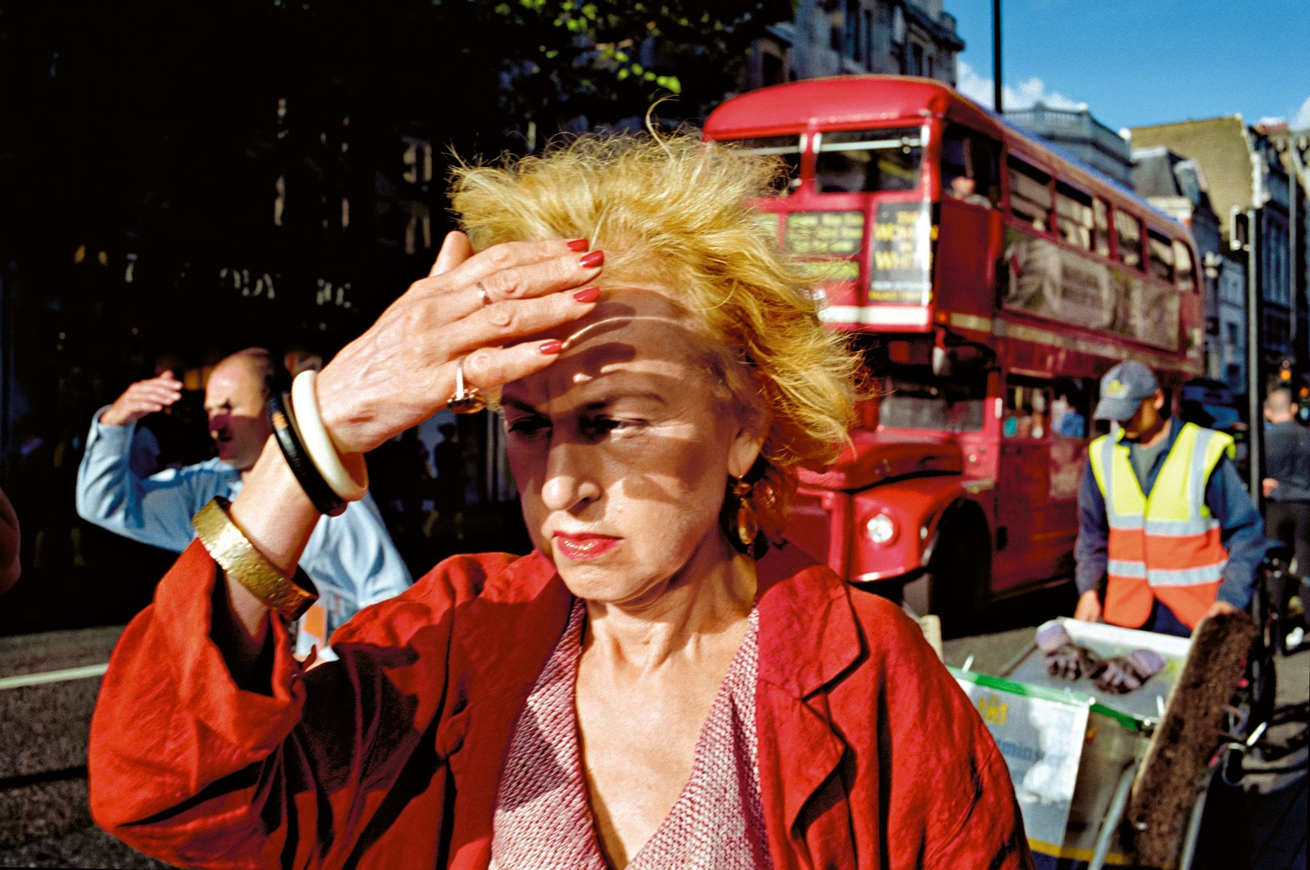 GB. England. London. Oxford Street (c) Matt Stuart, courtesy Magnum Photos