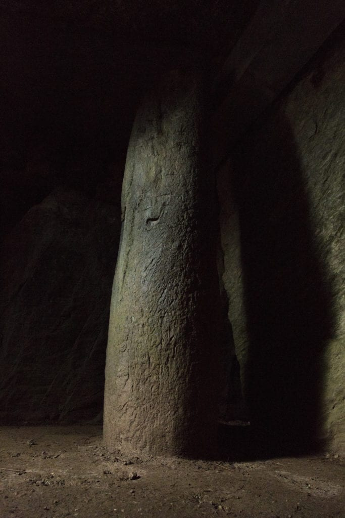 Standing Stone inside Bryn Celli Ddu © Jack Pidduck