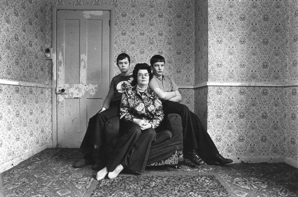 Tooting, London, 1975. From the series Family Units © Edward Barber