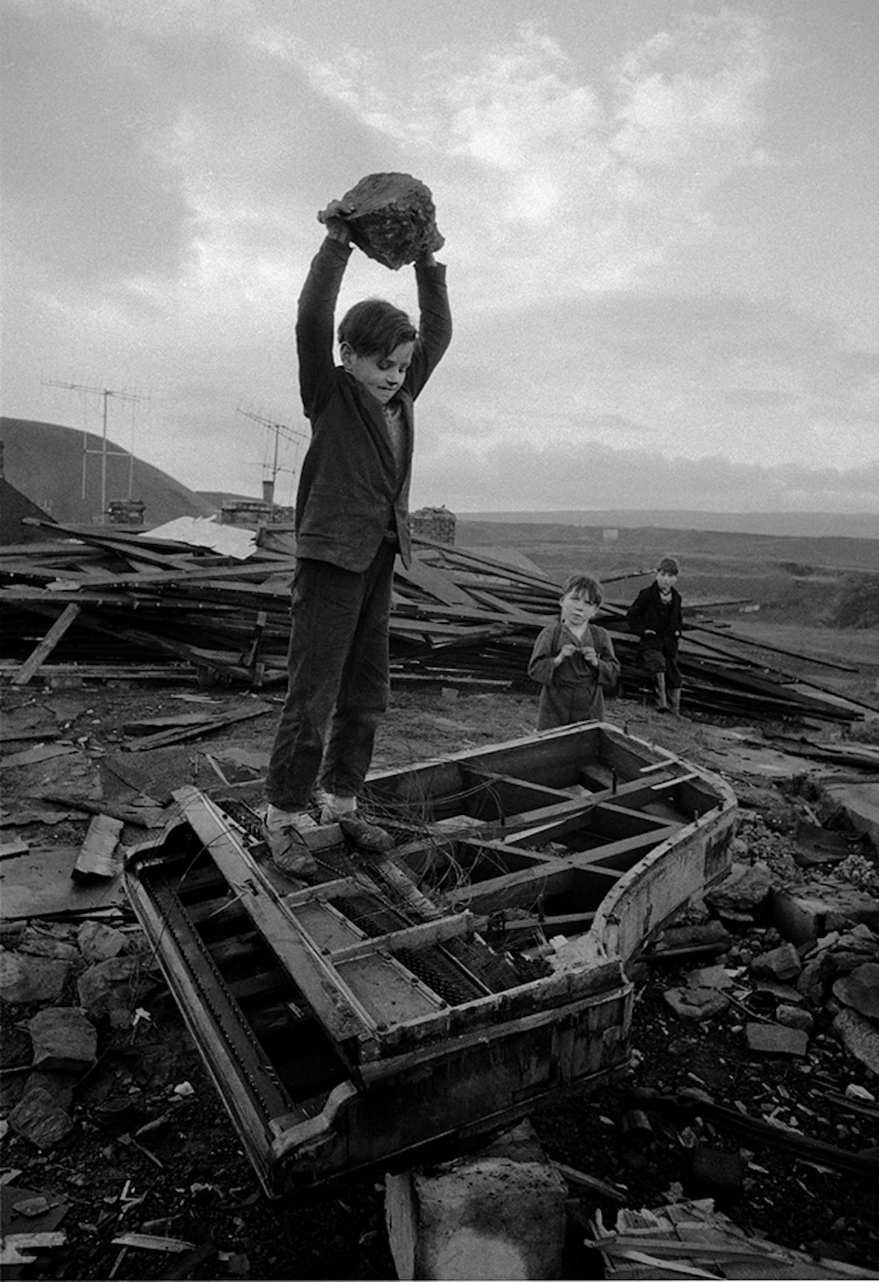 Philip Jones Griffiths On Show At Tj Boulting British