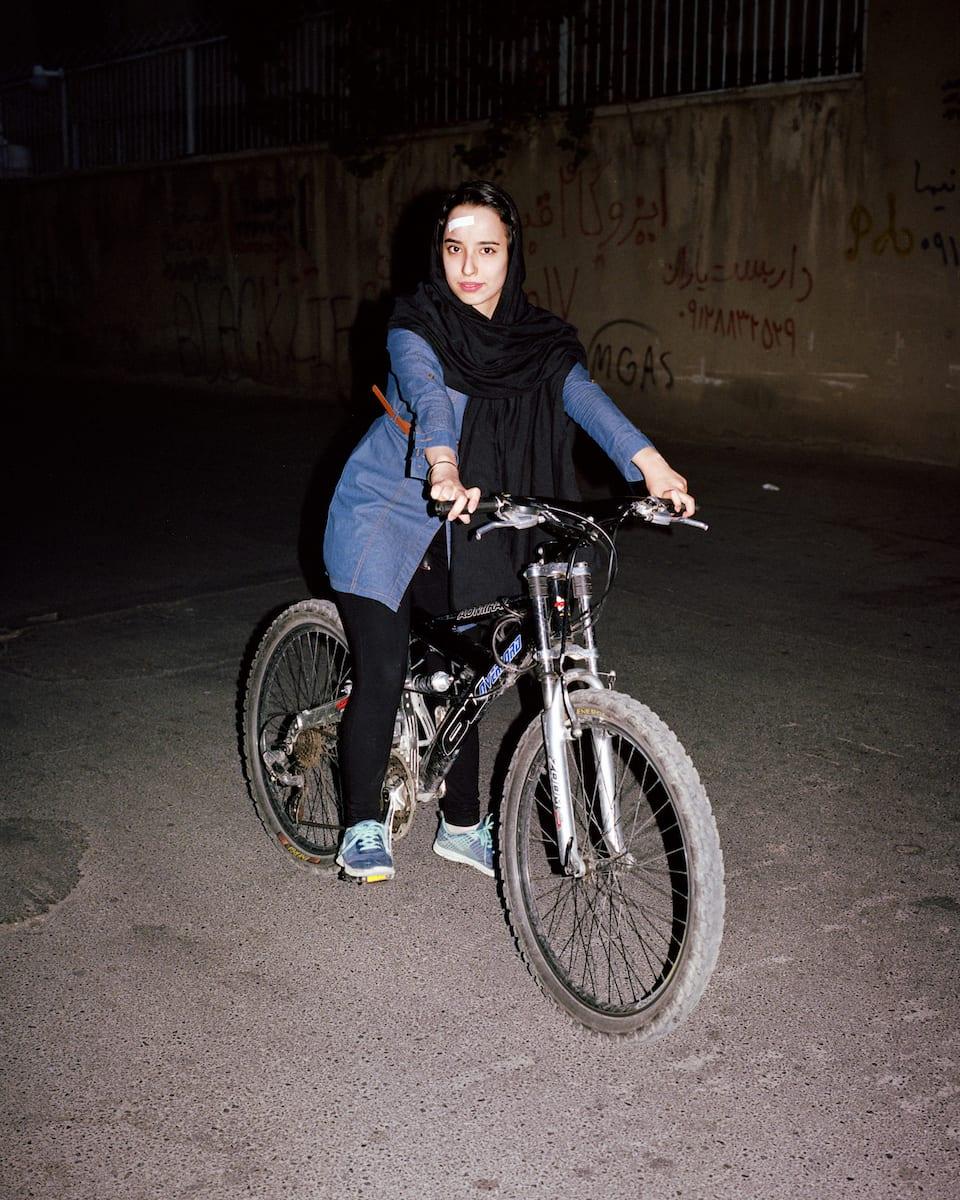 sarah-pannell-iran-01