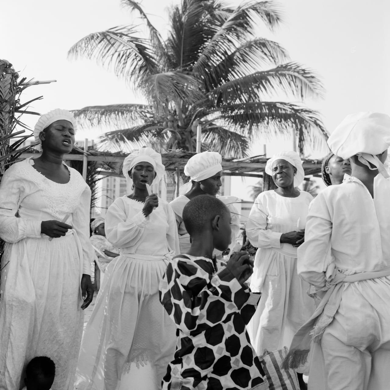 Akinbode Akinbiyi: Six Songs, Swirling Gracefully in the Taut Air
