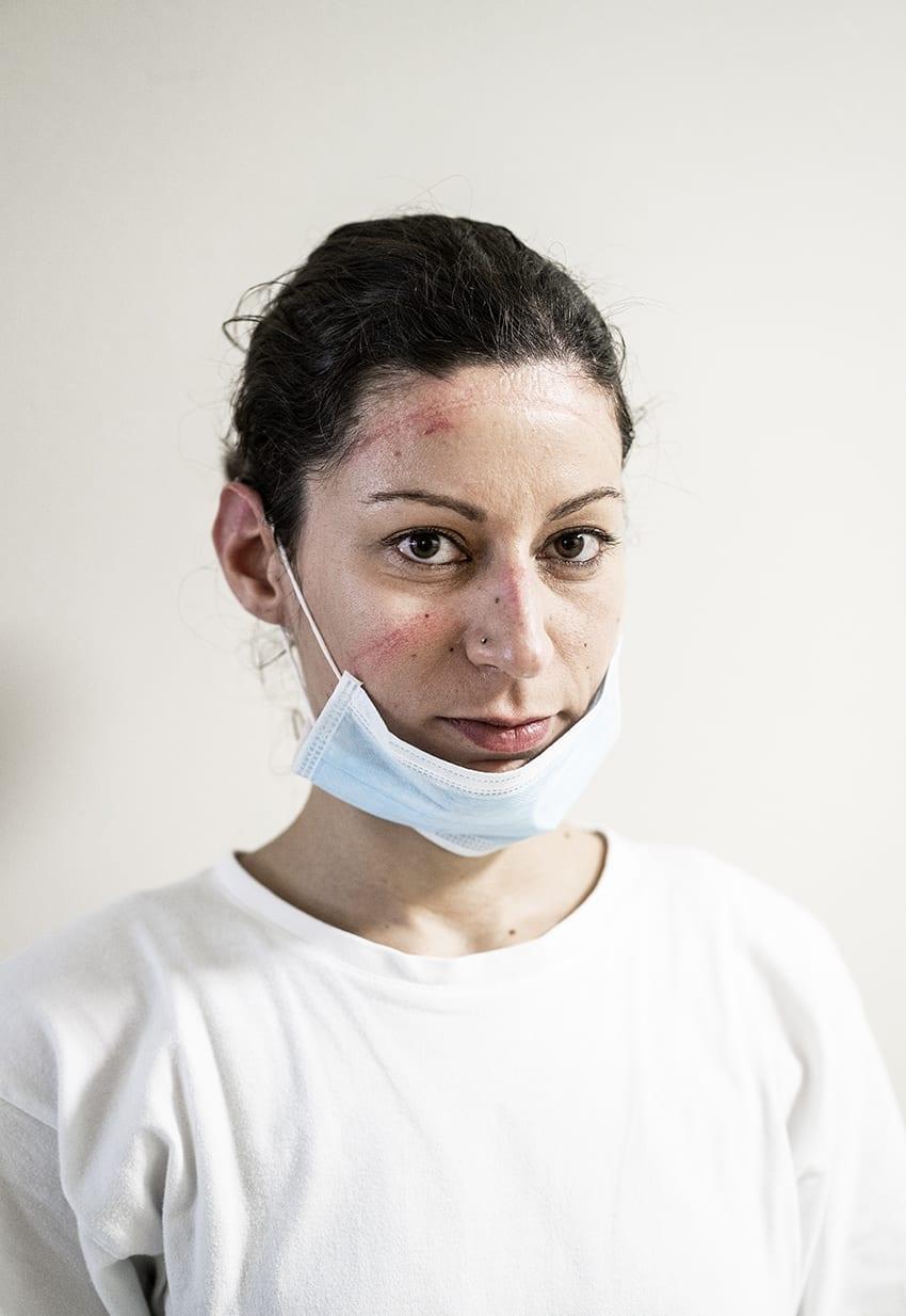 Serena Perez — a nurse in the intensive care unit © Alberto Giuliani.