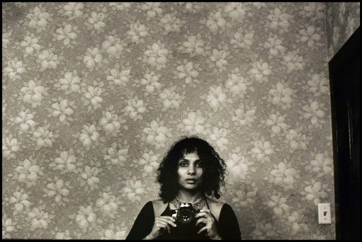 untitled-self-portrait-with-camera-newyorkcity-mingsmith